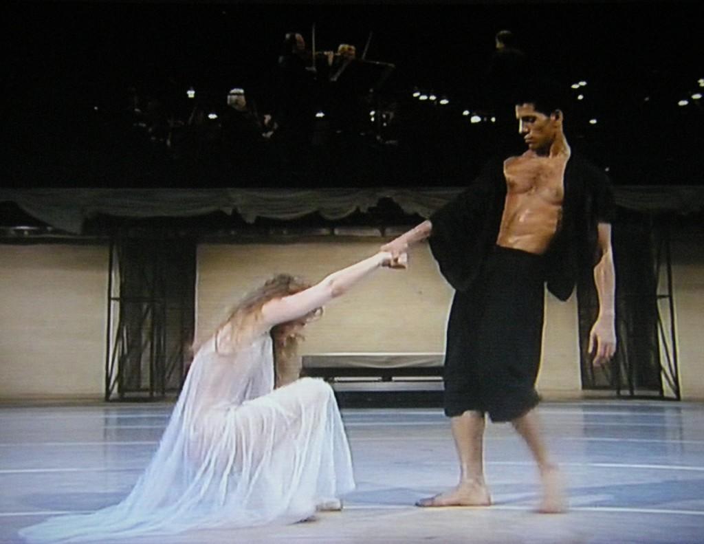 Gigi Hyatt und Gamal Gouda tanzten auf Kampnagel die Uraufführung.