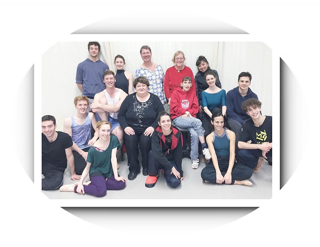 Ballettleute spenden an Behinderte