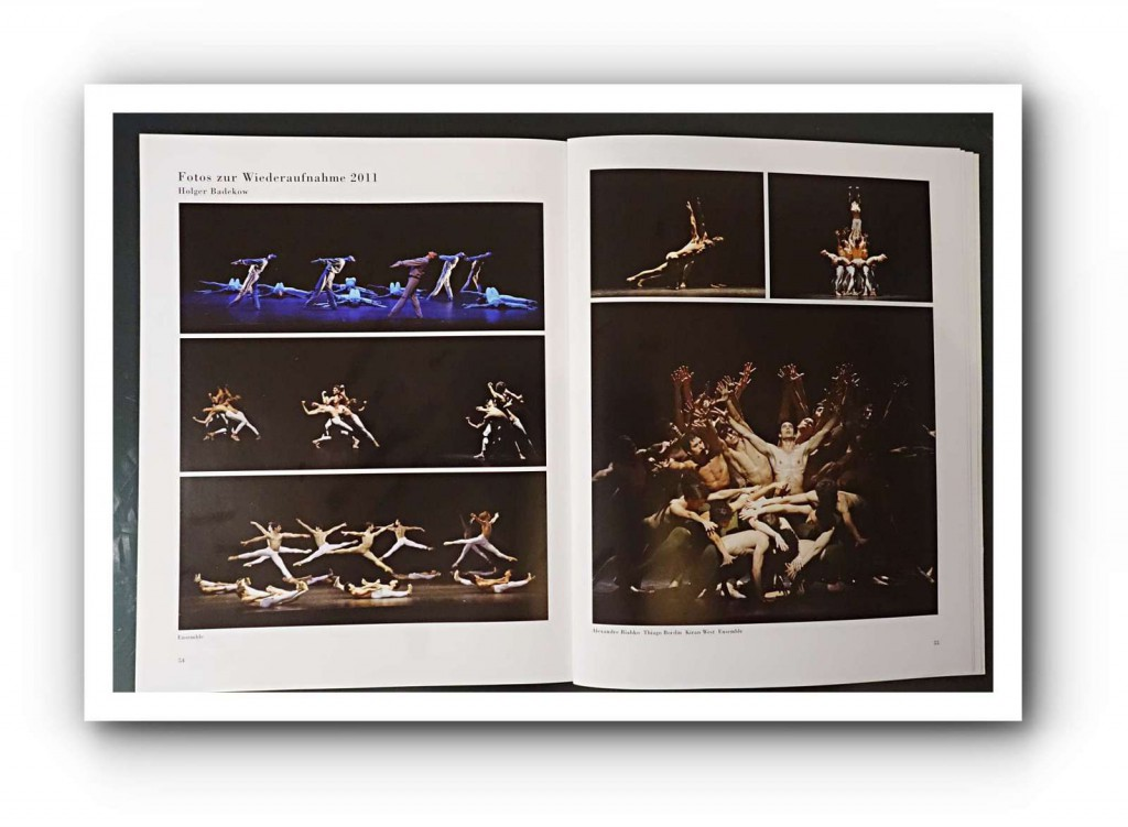 """Ein Mann stemmt sich gegen eine Gruppe: Alexandre Riabko und das Ensemble vom Hamburg Ballett im Einsatz vom ersten Satz der """"Dritten Sinfonie von Gustav Mahler"""" in der Choreografie von John Neumeier. Foto: Kiran West"""