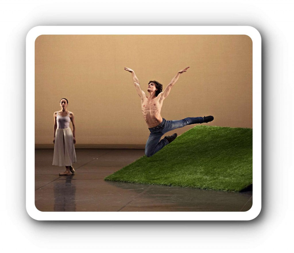 Wenn Ihnen dieser oder ein anderer Beitrag im Ballett-Journal gefällt, so freue ich mich auf Ihre Spende! In der heutigen bezahlten Medienlandschaft ist bei all dem Häppchenournalismus nämlich kein Platz für eine so ausführliche Berichterstattung. Das Ballett-Journal ist unabhänigig und erhält keine Förderung von staatlicher Seite! Helfen Sie, es weiterhin bestehen zu lassen! Danke - die Selbstausbeuterin Gisela Sonnenburg