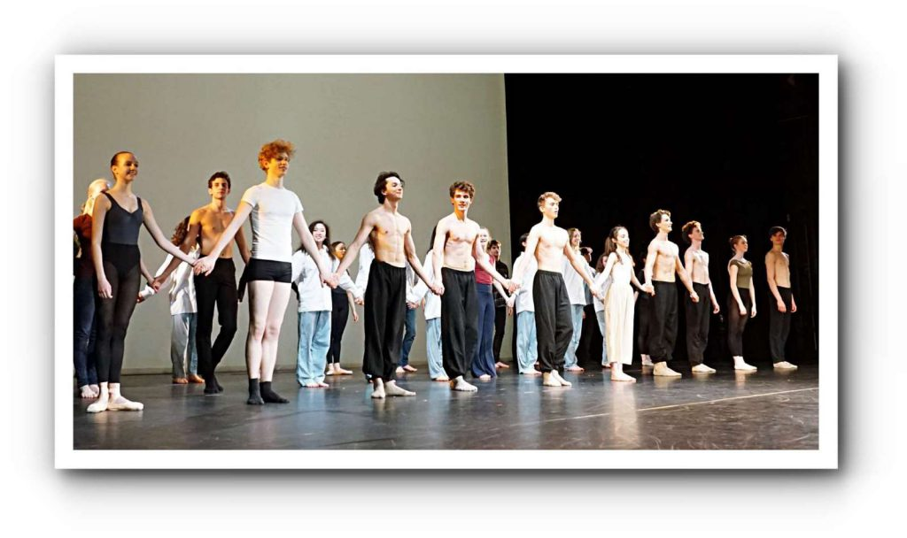 www.ballett-journal.de/hamburg-ballett-werkstatt-der-kreativitaet-hyatt/