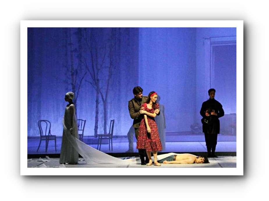 Tatjana mit Anna Laudere in der Titelrolle beim Hamburg Ballett