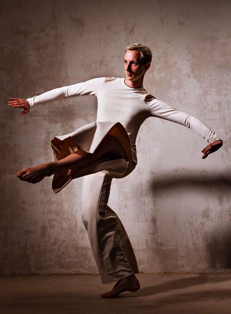 Nils Freyer tanzt Vogelsang und Hoyer