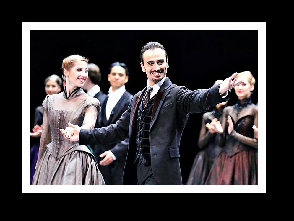 Tigran Mikayelyan tritt von der Bühne ab