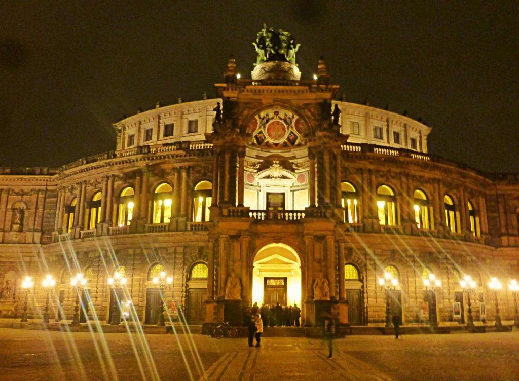 "Carmen"" von Johan Inger in Dresden"