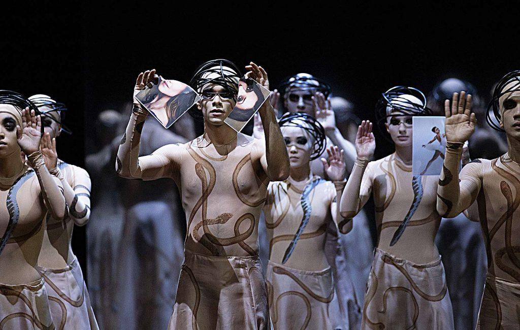 John Neumeier macht eine Balletttoper
