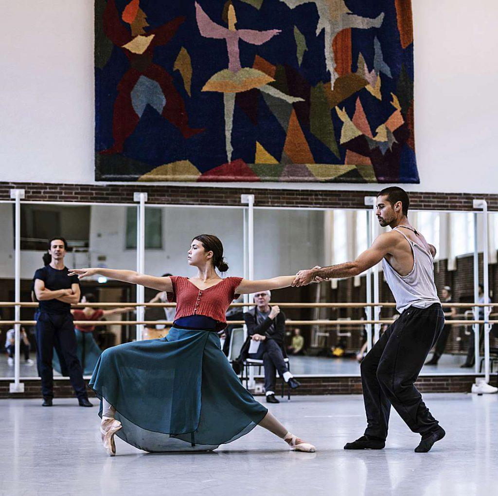 """""""Ballette für Klavier und Stimme"""" läuten beim Hamburg Ballett den Herbst ein"""