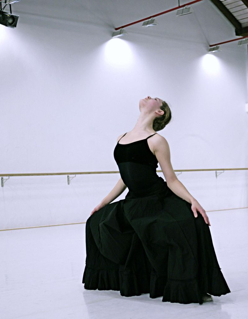 Tanz von Gisela Sonnenburg mit Laura Tiffany Schmid in Sankt Ludwig und Sankt Joseph