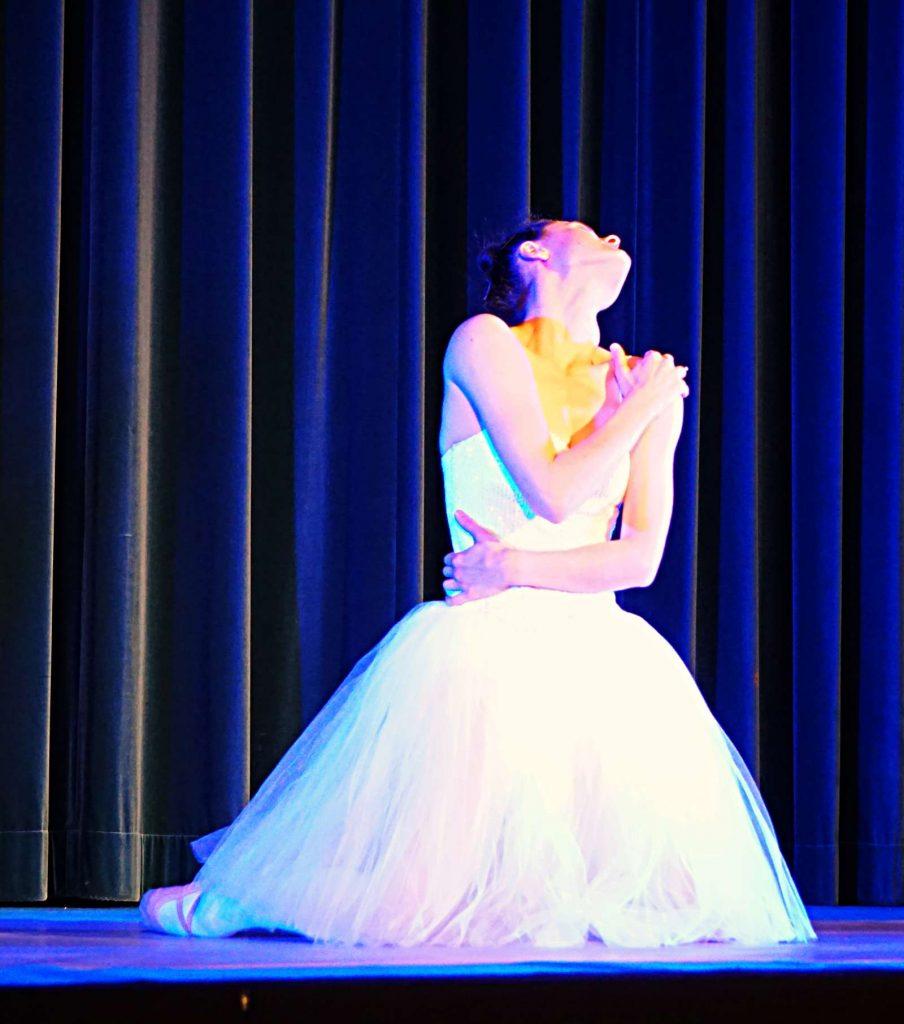 Laura Tiffany Schmid dances Gisela Sonnenburg in Babylon Berlin